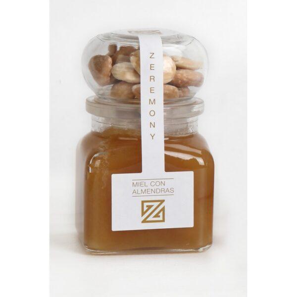 miniatura miel con almendras
